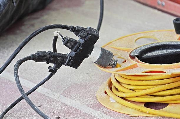 Şantiyelerde Elektrikli Çalışmalarda İş Güvenliği